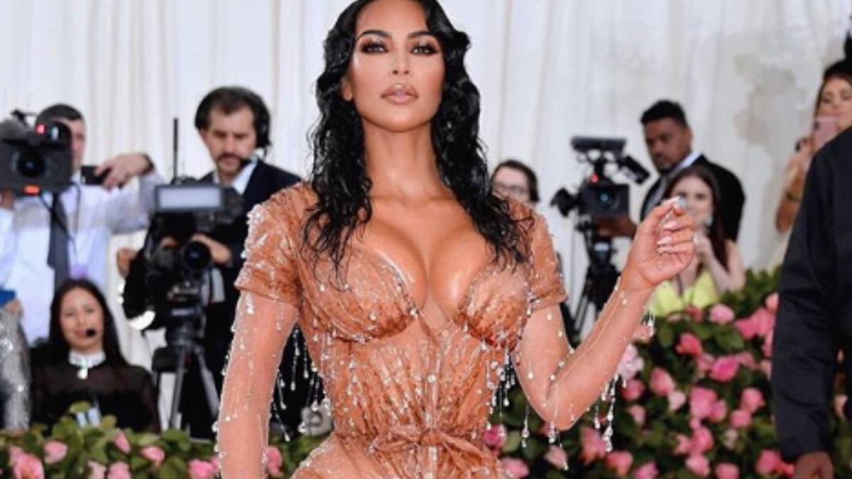 Kardashian As Vestido Gala Usa Met Su La Reveló El En Kim Para Truco VGSUpqMLz