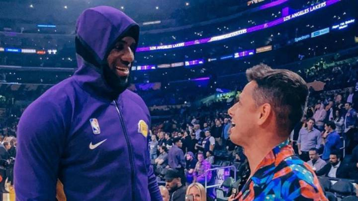 Chicharito conoce a LeBron James en el Staples Center