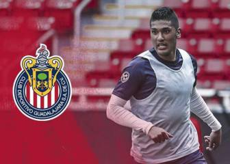 Tony Alfaro, ex de Chivas, regala despensas en California