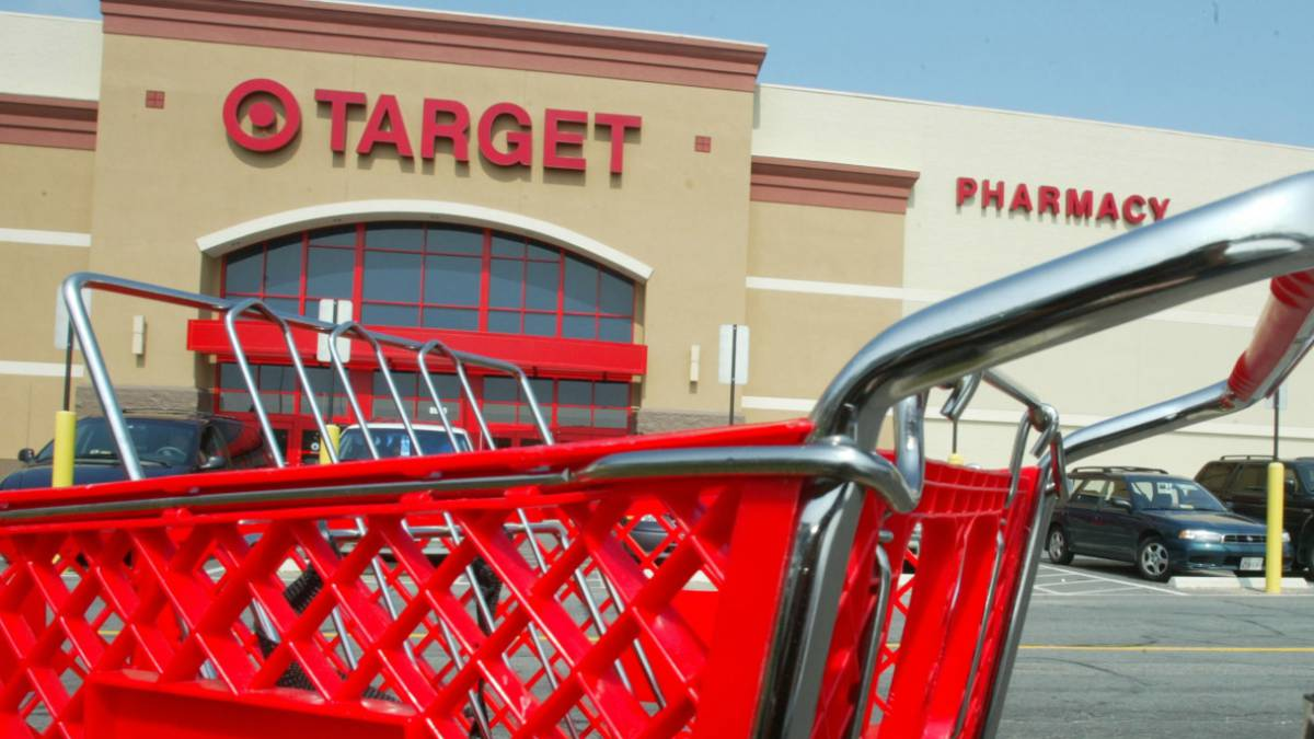 US grocery hours May 11-17: Walmart, Costco, Target, Sam's thumbnail