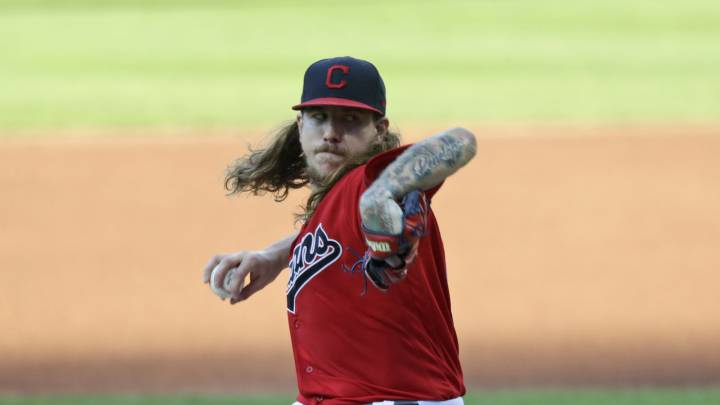 Mike Clevinger con los Indians