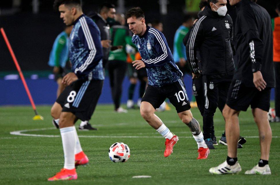 Lionel Messi y Argentina recibieron esta noche a Bolivia en el Estadio Monumental, en duelo correspondiente a las Eliminatorias Mundialistas de CONMEBOL.