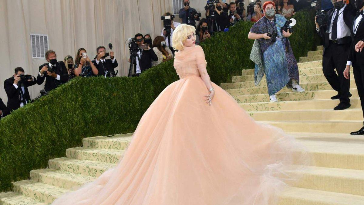 Billie Eilish condicionó a Oscar de la Renta para usar uno de sus vestidos  en la Met Gala - AS USA