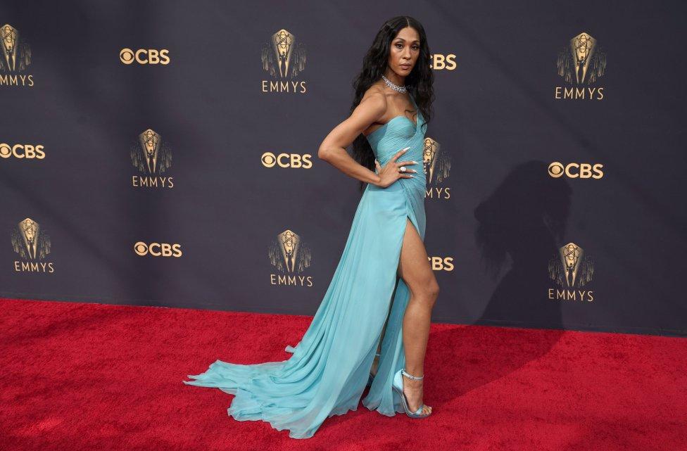 La alfombra roja de los premios Emmy 2021 en imágenes: famosos mejor vestidos este año