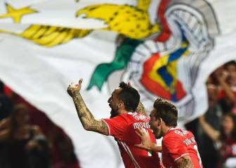 Benfica back on top of Primeira Liga after home win