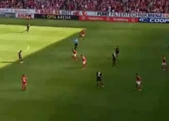¡Notable pase gol de Aránguiz a 'Chicharito' ante Mainz!