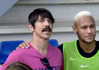 Neymar y el cantante de Red Hot Chili Peppers, tan amigos