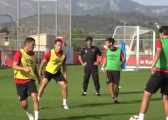 Ex-NBA star Steve Nash shows off footy skills with Mallorca