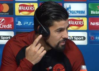 Testing, testing 1,2... Nolito's headphone malfunction