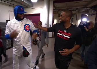 LeBron keeps his word and wears Chicago Cubs uniform