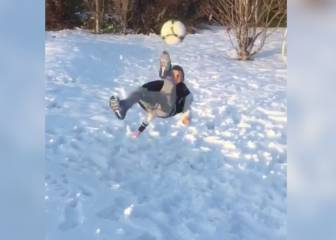 Van Persie's son has got skills!