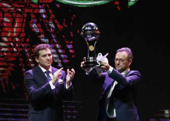 Chapecoense presented with Copa Sudamericana trophy