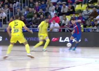 That's how you dink it: Barcelona futsal star Roger's cheeky chip