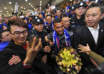 Tévez: Hero's welcome for Argentinian striker in China