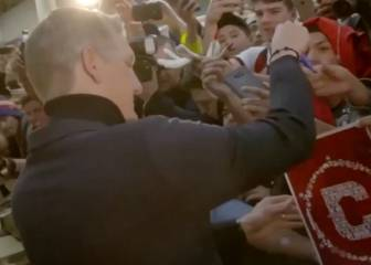Schweinsteiger receives a rapturous welcome in Chicago