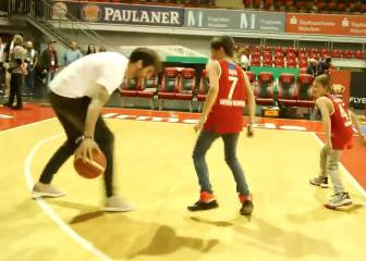 Javi Martínez ain't half bad at basketball...