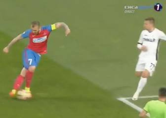 Steaua's Alibec conjures up ridiculous 'rabona' assist