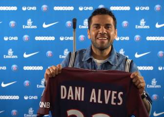 Alves joins PSG, prints own shirt in latest imaginative unveiling