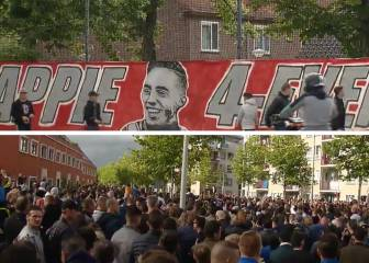 Ajax fans create tribute to Appie Nouri outside his home