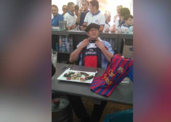 Mayor of French town eats rat over lost Barcelona-PSG bet