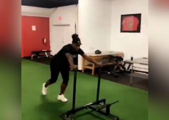 Una embarazadísima Serena Williams ¡se machaca en el gym!