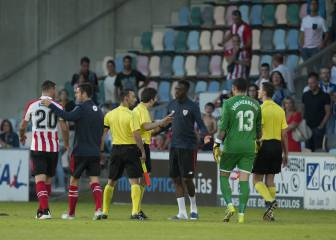 Ref calls off feisty affair between Athletic and Alavés
