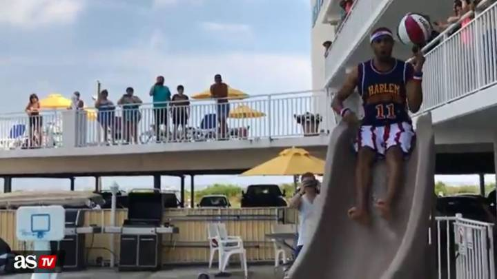 Harlem Globetrotters crash pool party