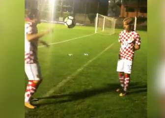 Kovacic kills it in keepie-uppie session with Modric