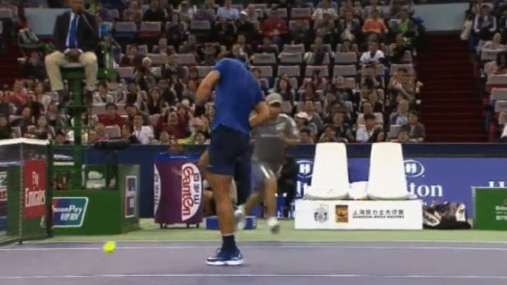 Not often seen: Nadal smashes himself with racket after mistake