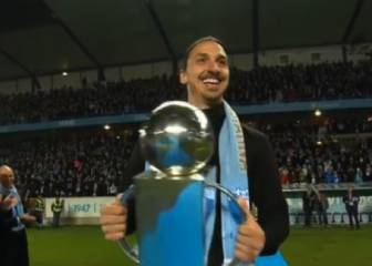 Hero's welcome for Ibra as he hands Malmö league trophy