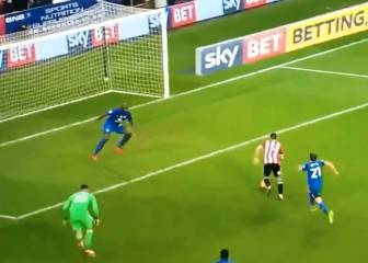 Brentford's Maupay produces astonishing miss against Cardiff