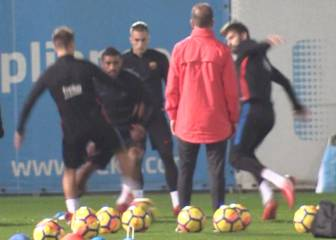 Denis Suárez nutmegs Gerard Piqué in Barça training