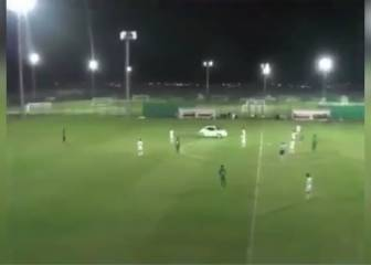 Car interrupts football match in United Arab Emirates