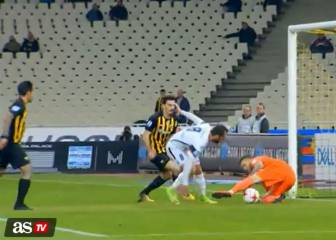 Giannakopoulous gifts AEK the lead with comical own goal