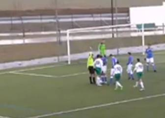 Spanish youth footballers set fine example of fair play