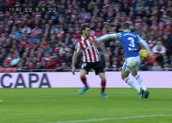 El Athletic reclamó un penalti por una mano de Diego Llorente