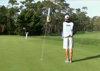 Jon Rahm picks a perfect line