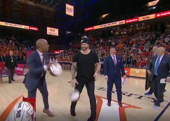 Jay Williams apuesta 100 mil dólares con Chris Long por una canasta