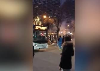 Ultras del Marsella a botellazo limpio contra fans del Athletic