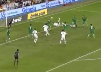 Baptista's other acrobatic finish - for Real Madrid against Betis!