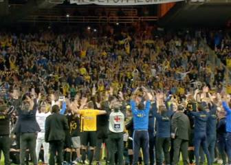 AEK celebrate first league title since '94 with spectacular thunder clap