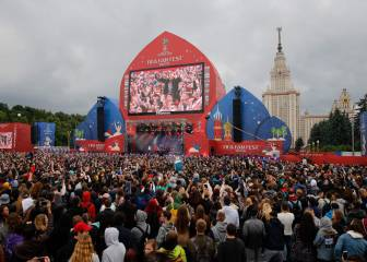 Behind the Scenes - Fan Fest opens in Moscow