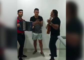 James recibió serenata vallenata en Santa Marta