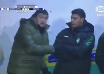 Banfield boss Falcioni whips out megaphone on touchline